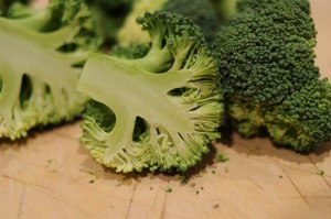 Researchers think broccoli slows arthritus
